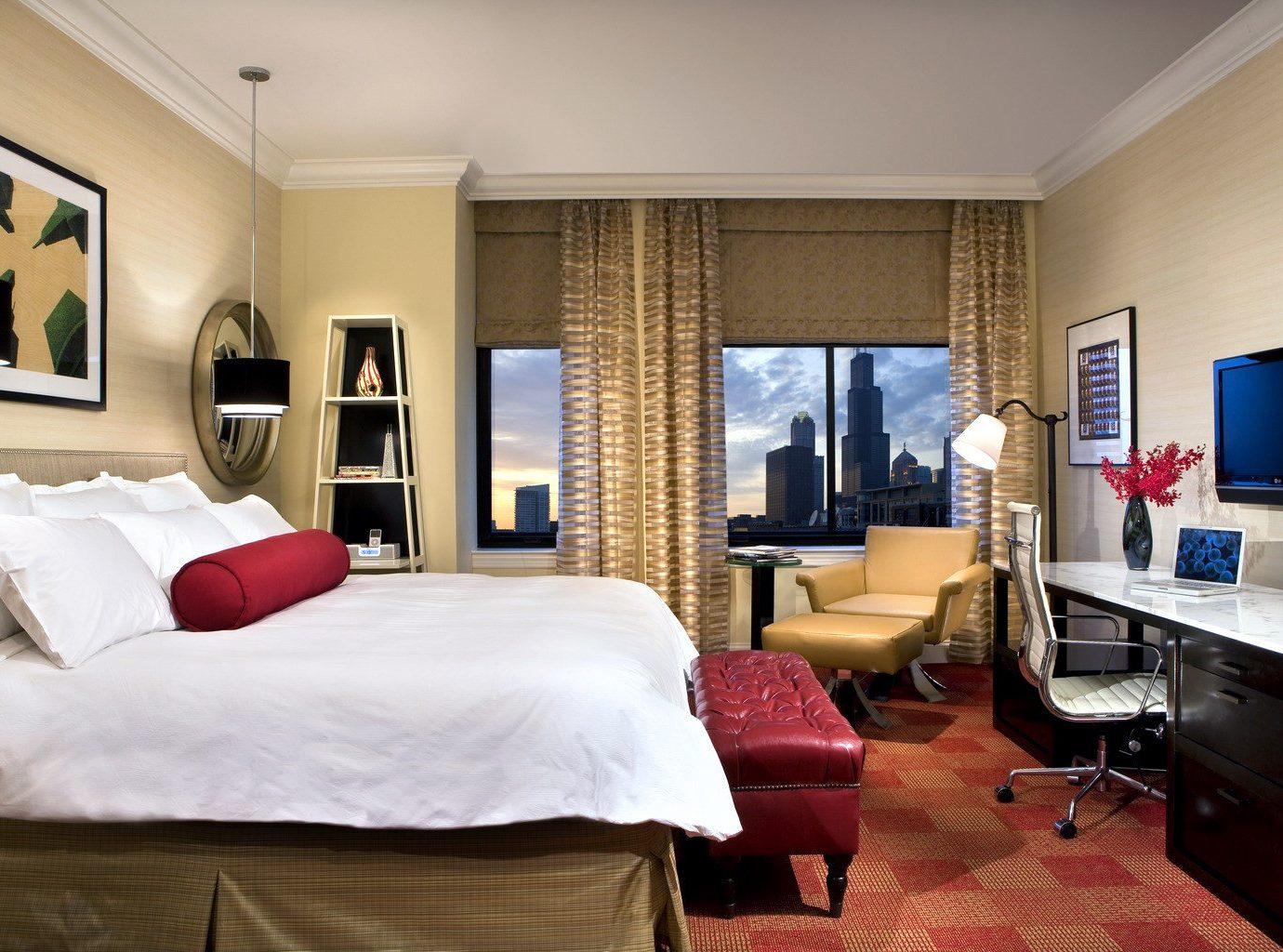 Bedroom City Elegant Hip Luxury Modern Scenic views Suite Trip Ideas property living room home cottage condominium Villa