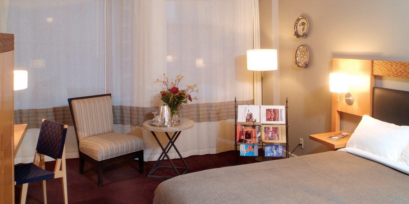 Bedroom City Modern property Suite home living room cottage lamp