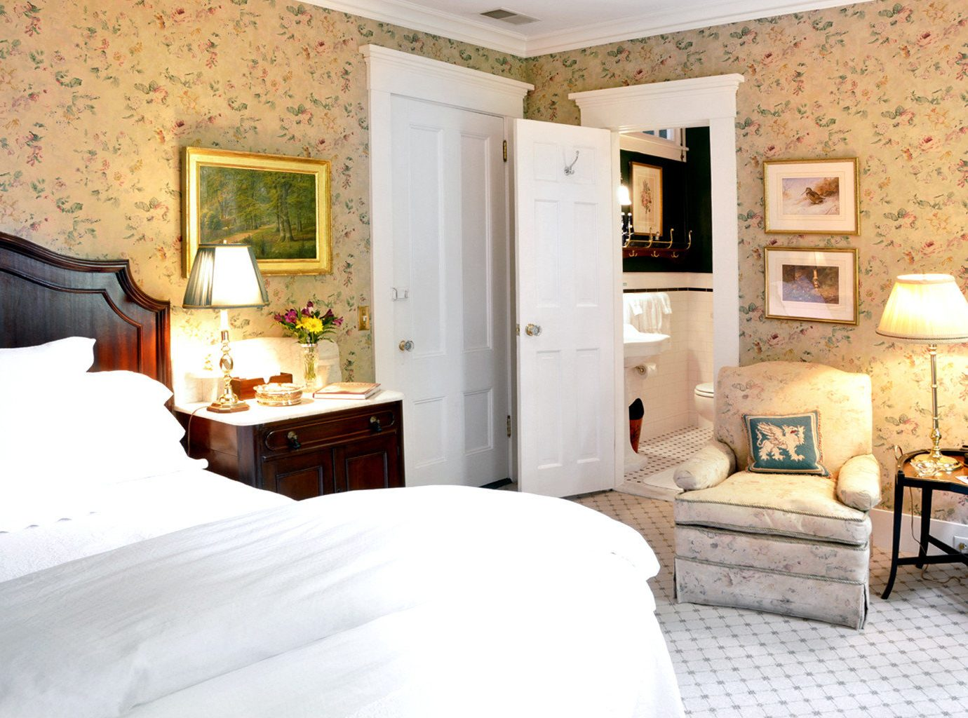 Bedroom Classic Elegant Historic Inn sofa property cottage home Suite living room farmhouse