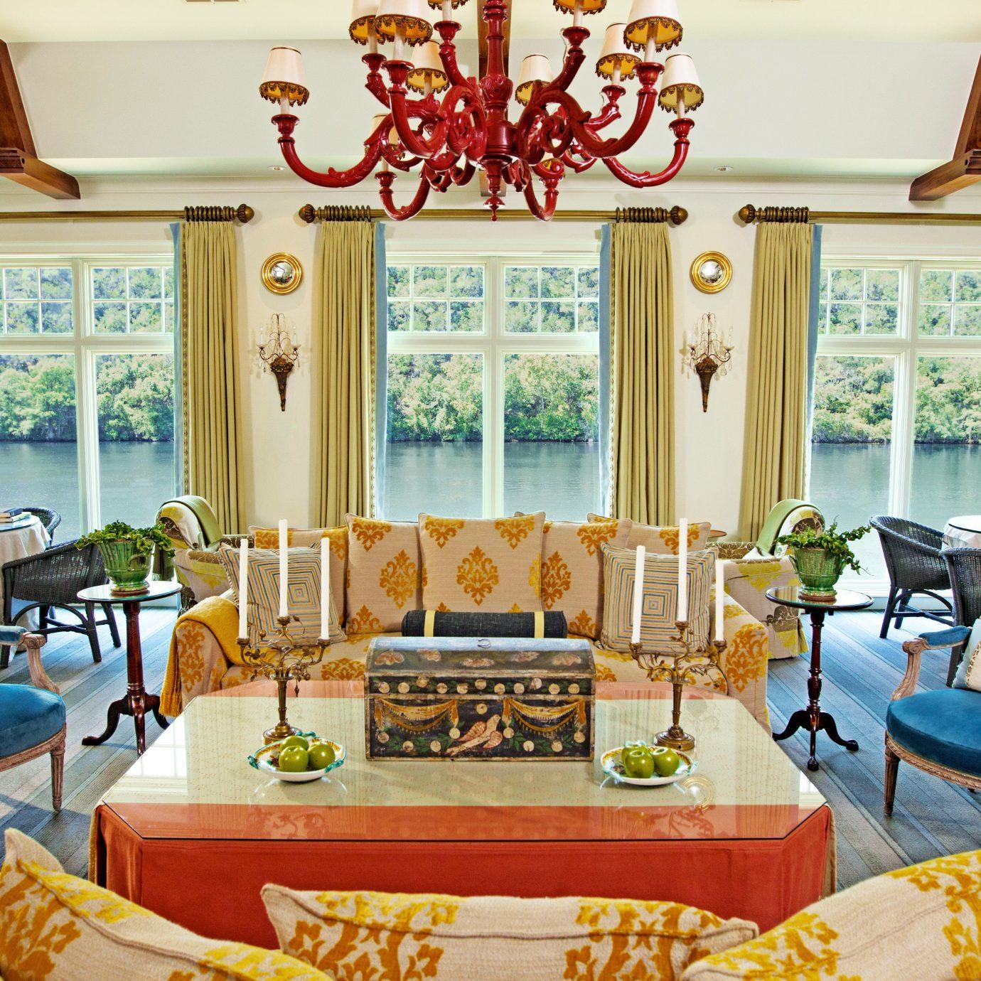 Classic Elegant Luxury Suite property living room home cottage Resort Bedroom