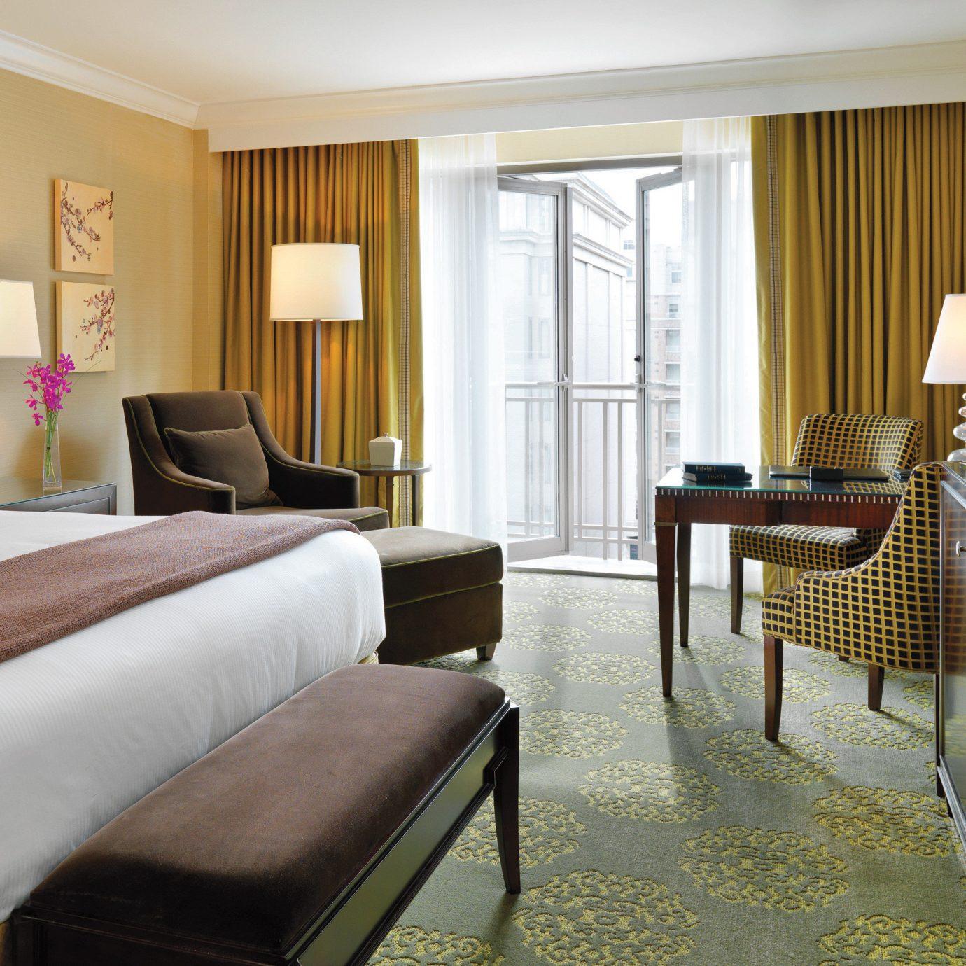 Bedroom Classic Resort sofa property Suite home condominium living room cottage Villa flat containing