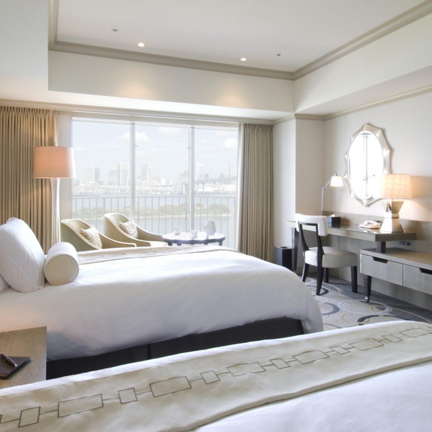 Bedroom Classic Resort property living room home white Suite condominium cottage flat
