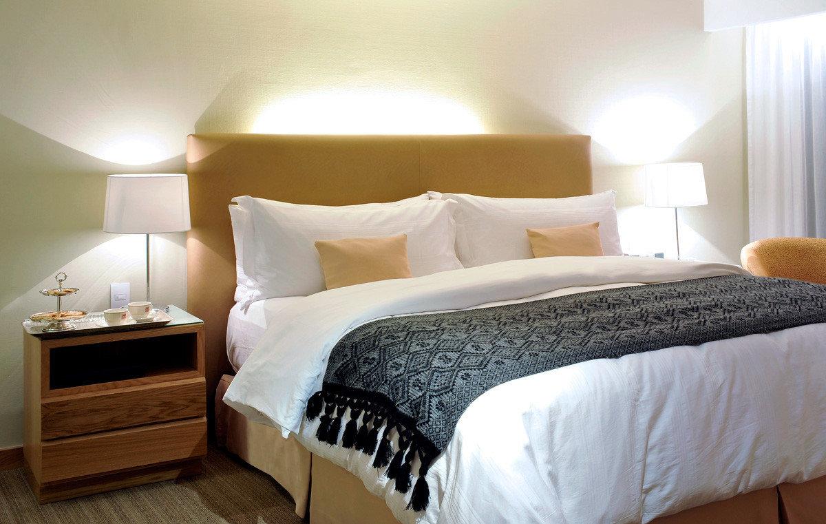 Bedroom Classic Resort Suite bed frame bed sheet cottage duvet cover pillow