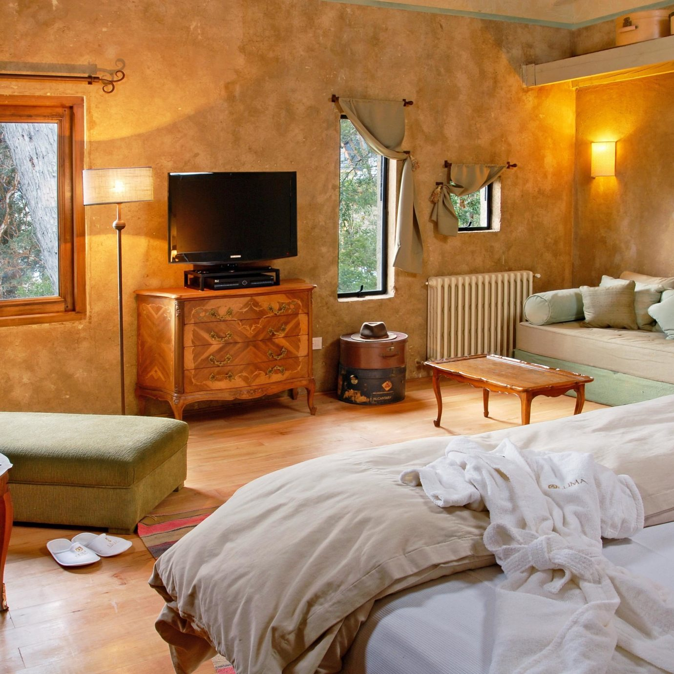 Bedroom Country Rustic Scenic views property cottage Suite farmhouse Villa