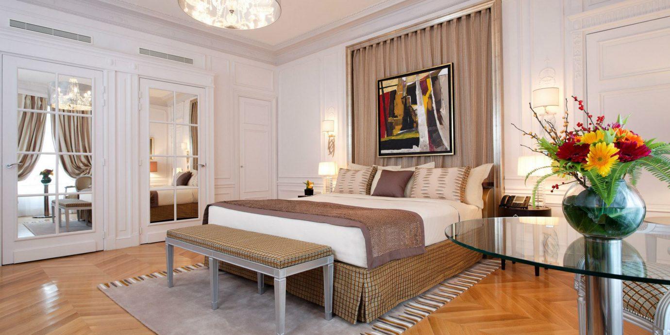 Bedroom Lounge Luxury Modern Suite property living room home hardwood wood flooring flooring mansion Villa cottage farmhouse Dining laminate flooring hard
