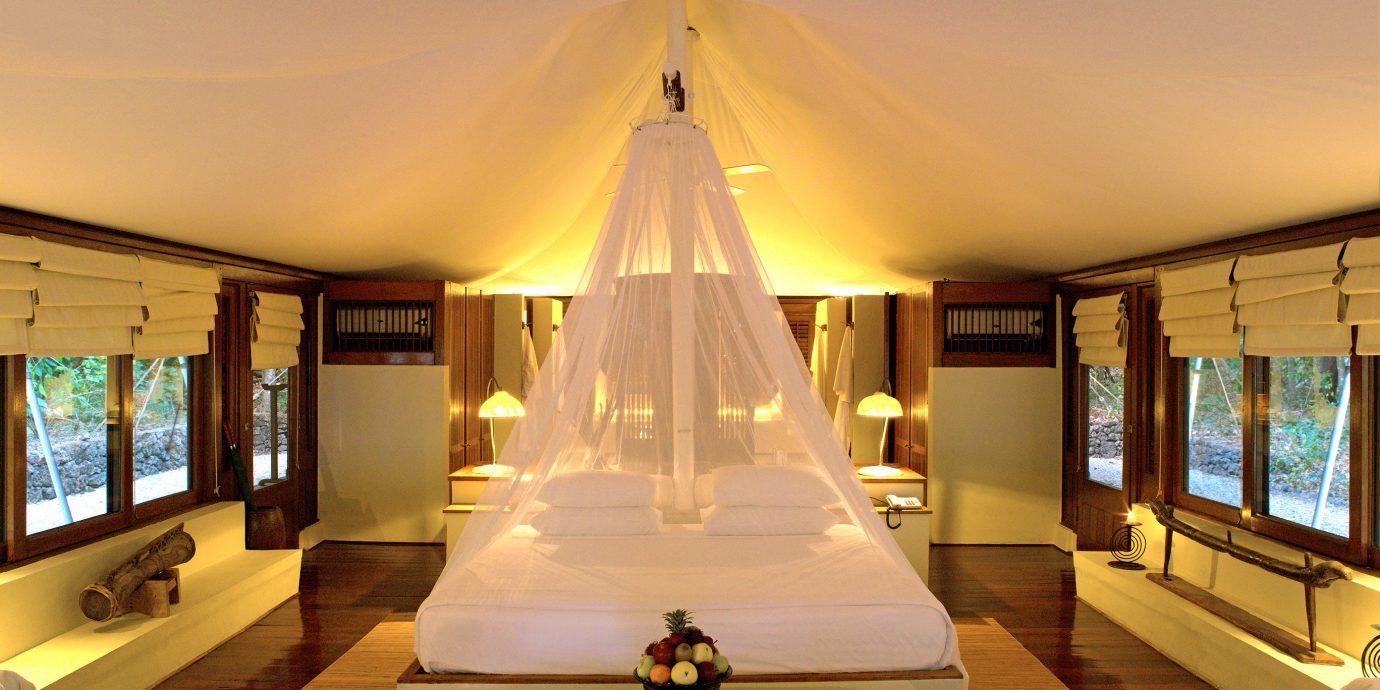 Bedroom Elegant Hip Luxury Modern Suite property Resort Villa mansion living room home condominium flat