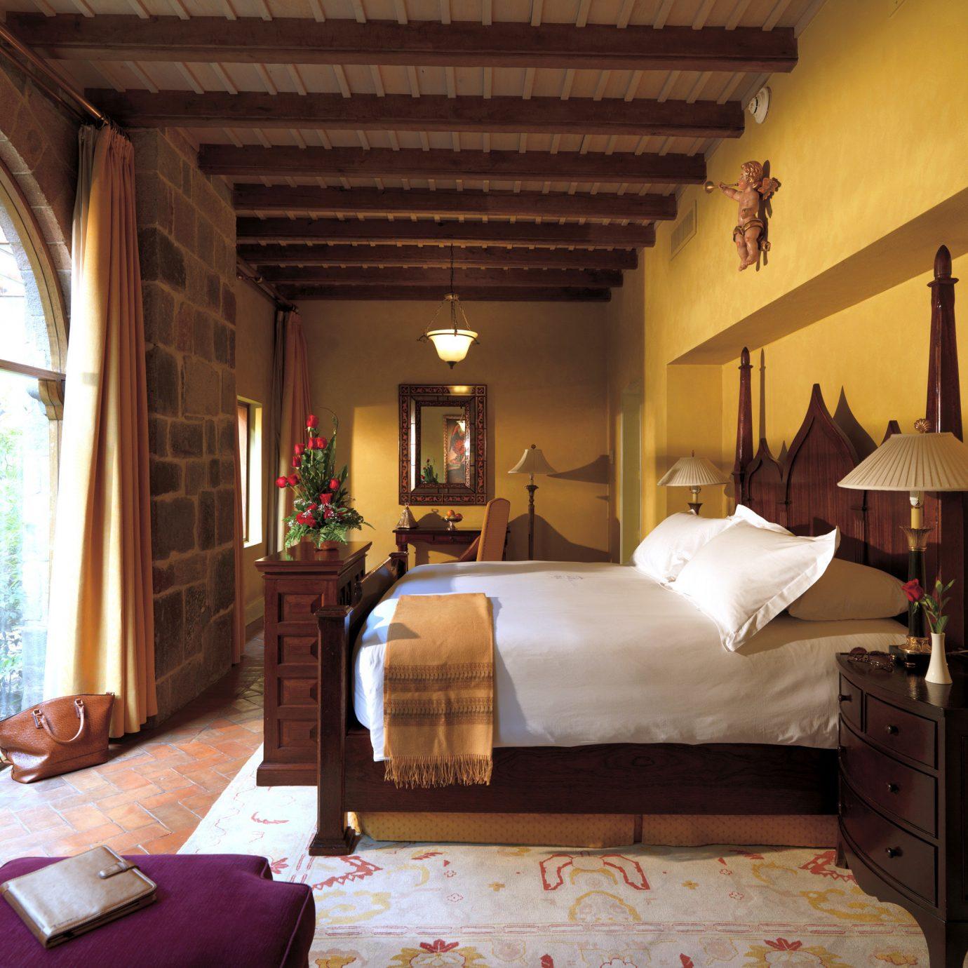 Bedroom Elegant Historic Scenic views Suite sofa property house home living room cottage Villa mansion farmhouse