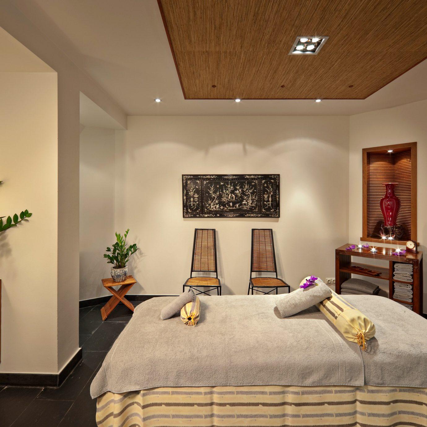 Bedroom Elegant Luxury Modern Suite property living room home cottage
