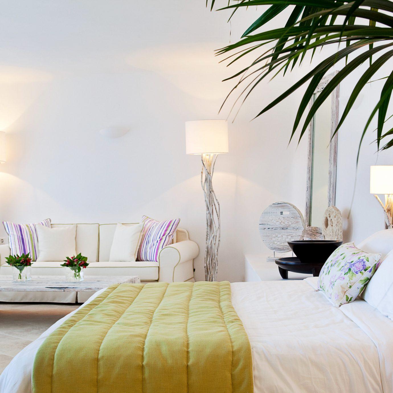 Bedroom Elegant Luxury Modern Suite sofa property home Villa cottage Resort living room