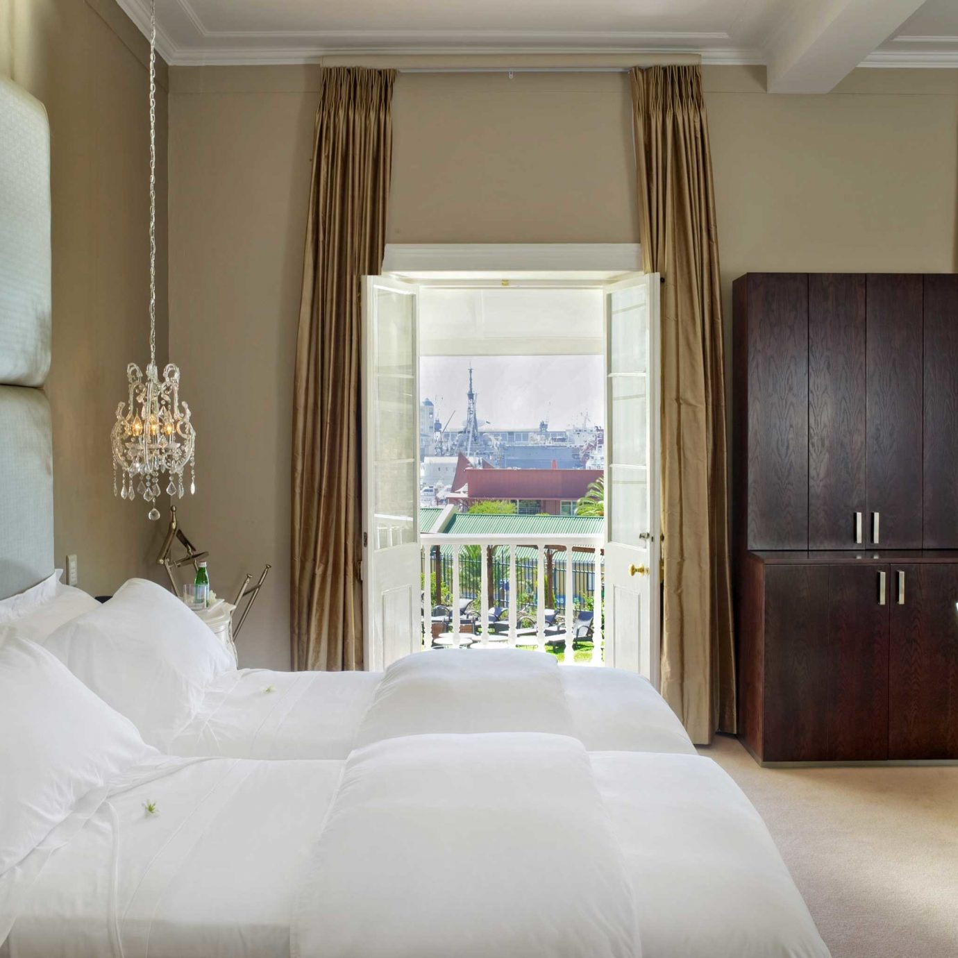 Bedroom Elegant Luxury Modern Suite sofa property pillow white home cottage living room