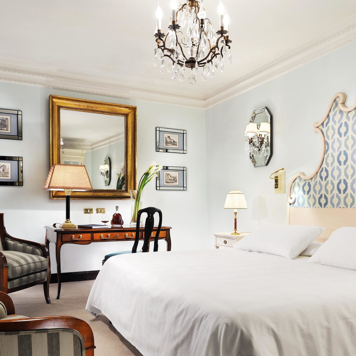 Bedroom Elegant Modern chair property scene living room home cottage Suite