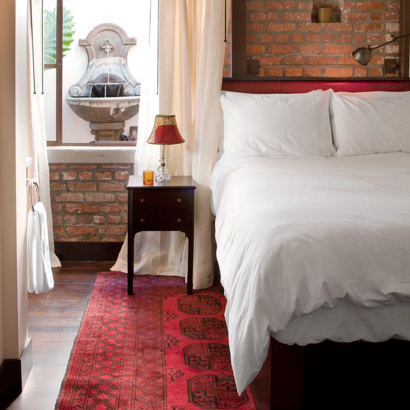 Bedroom Hip Modern property home hardwood white bed sheet cottage Suite flooring