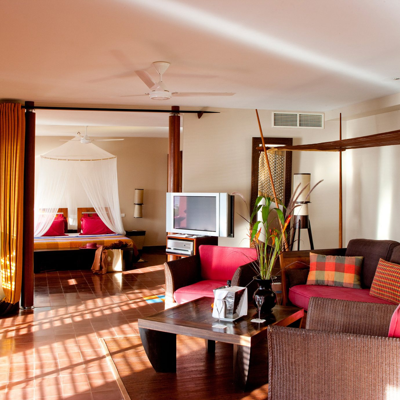 Bedroom Island Luxury Suite property living room condominium home Villa Resort cottage flat leather