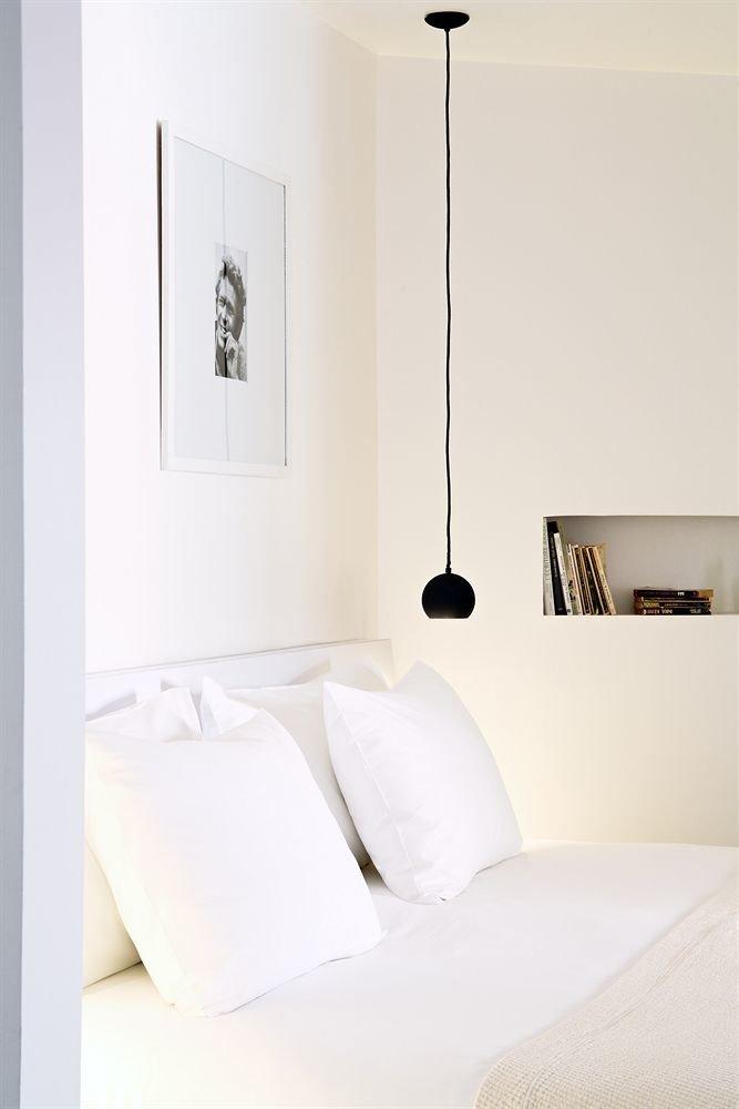 white Bedroom lighting
