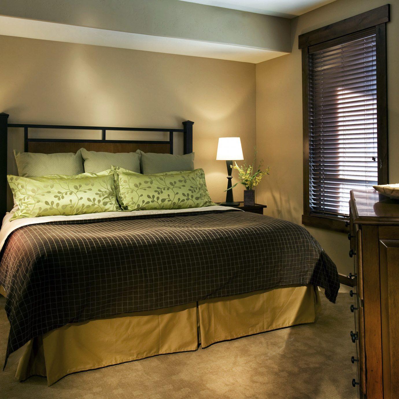 Bedroom Lodge Mountains Ski property Suite home cottage