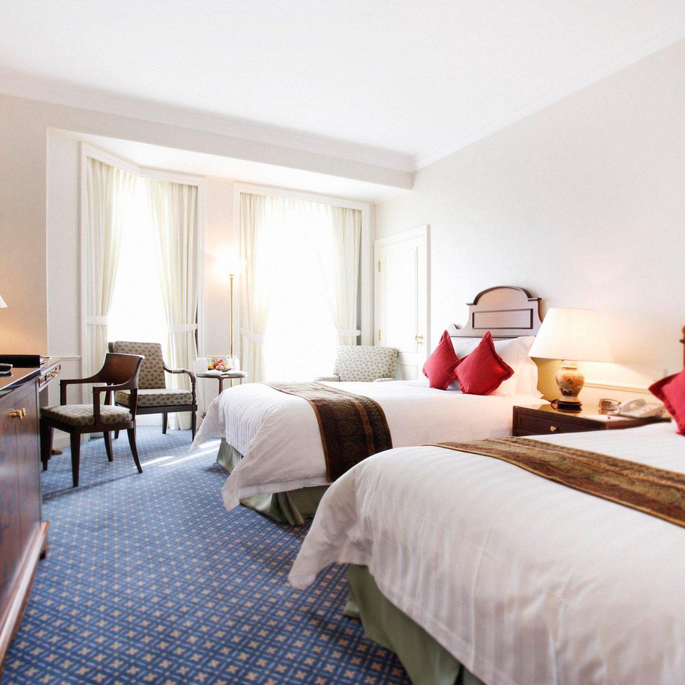 Bedroom Luxury Modern Romantic Suite property cottage Resort Villa lamp