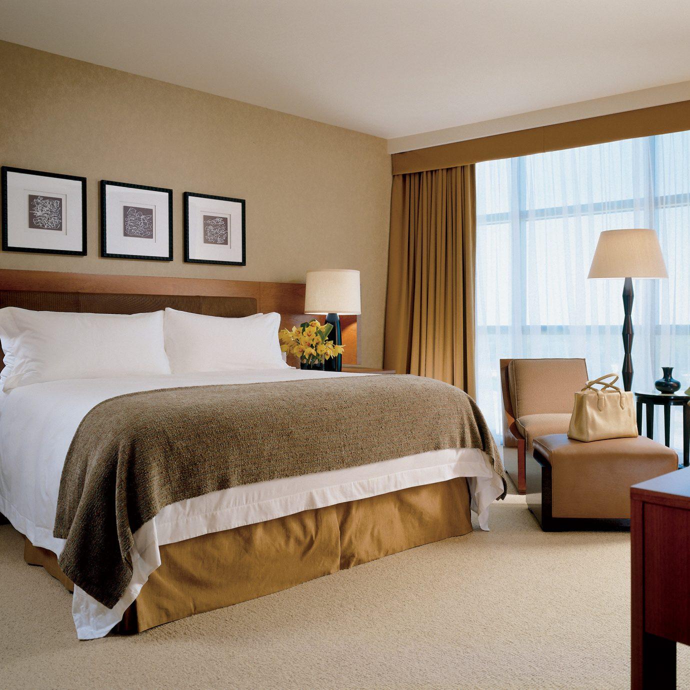 Bedroom Luxury Modern Suite property desk home hardwood cottage bed sheet lamp