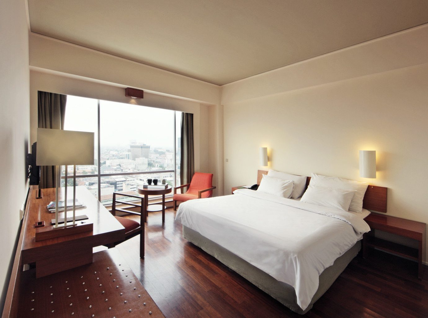 Bedroom Luxury Scenic views Suite property hardwood cottage Villa