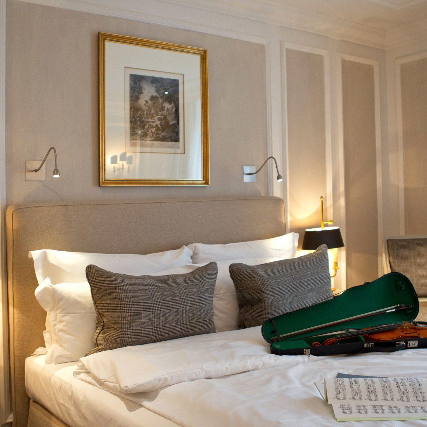 property Bedroom Suite home green living room cottage Modern