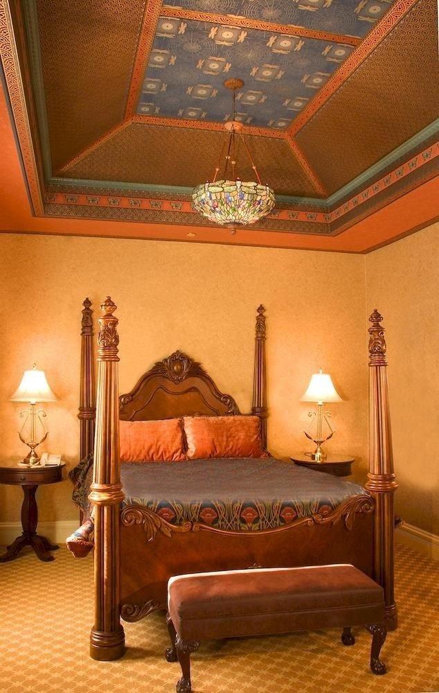 Bedroom Resort Suite property living room flooring lamp