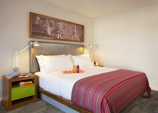Bedroom sofa property Suite cottage pillow bed sheet bed frame