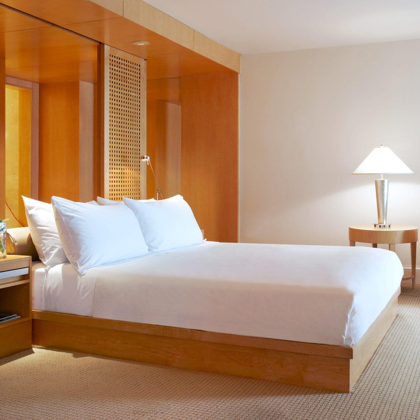 property Bedroom Suite condominium bed frame living room cottage