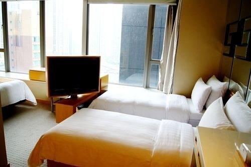 sofa property building condominium Suite Bedroom cottage