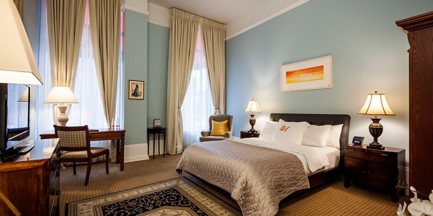 property Suite Bedroom cottage living room flat