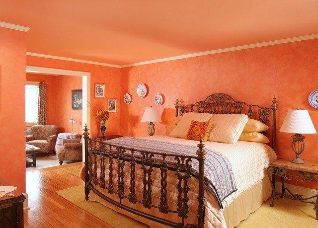 property Bedroom Suite hardwood cottage living room