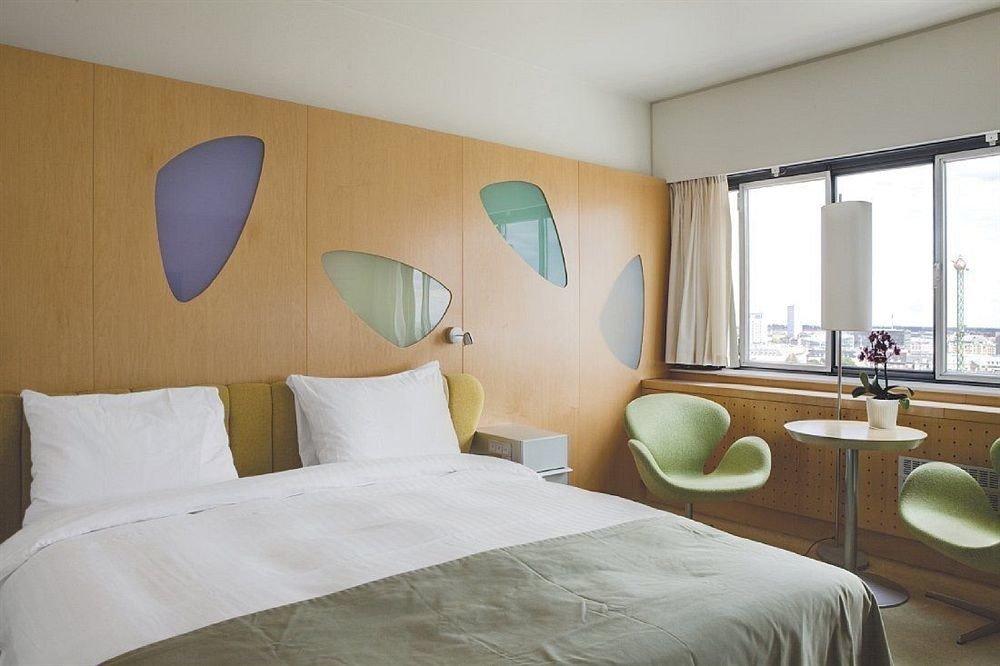 property Bedroom pillow Suite cottage