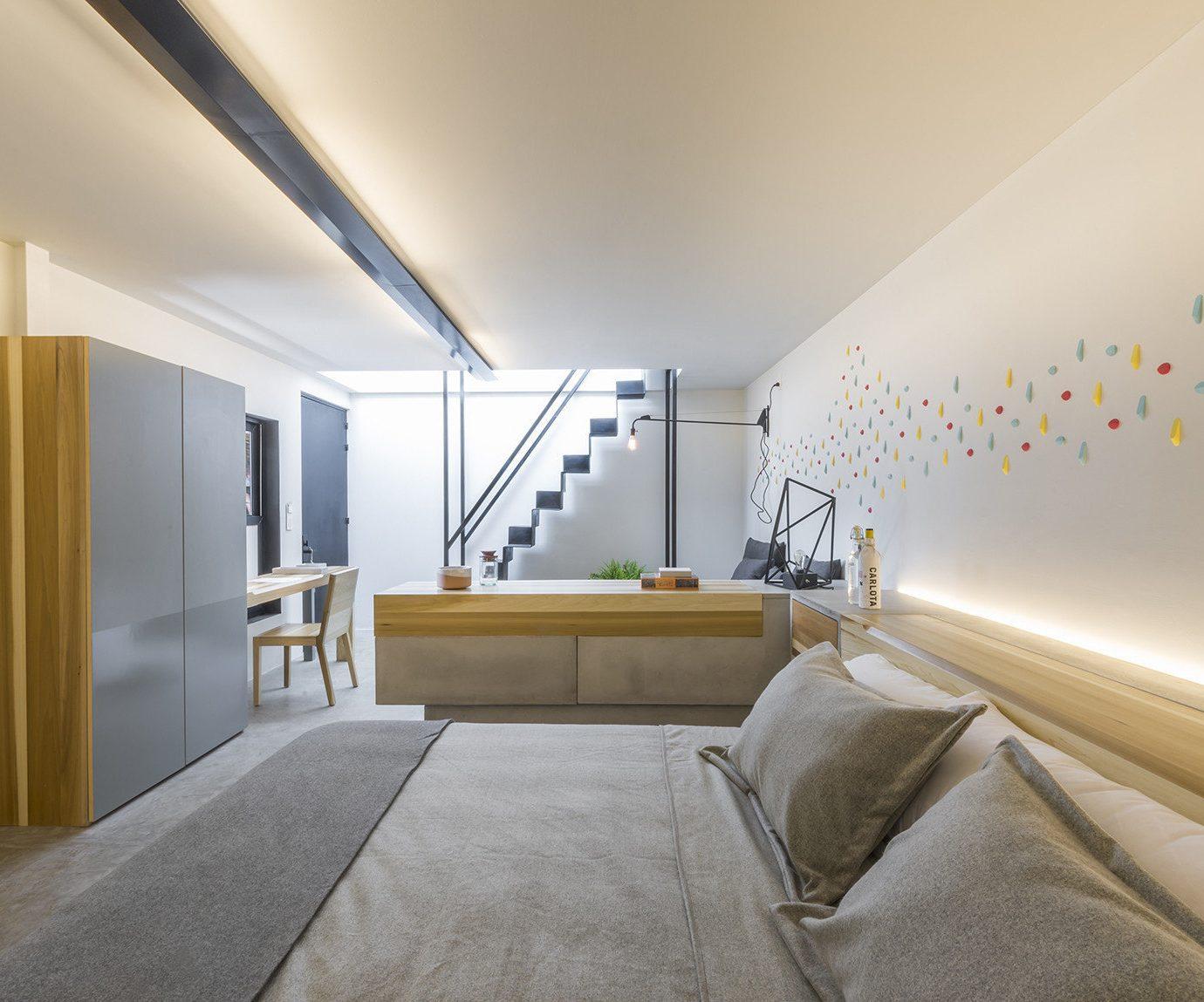 property Bedroom daylighting living room Suite