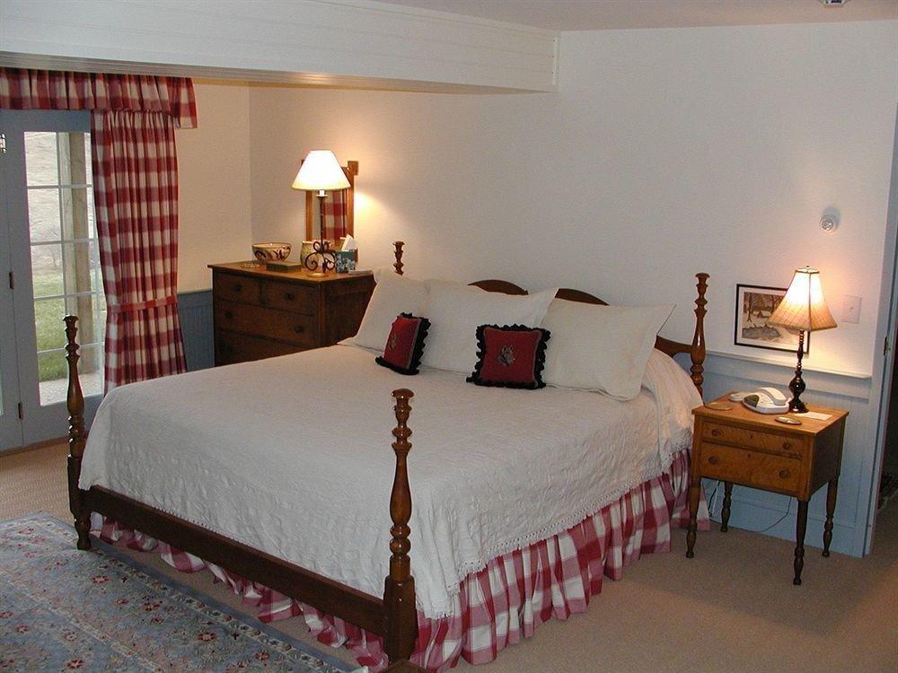 Bedroom property cottage Suite bed frame Villa bed sheet lamp