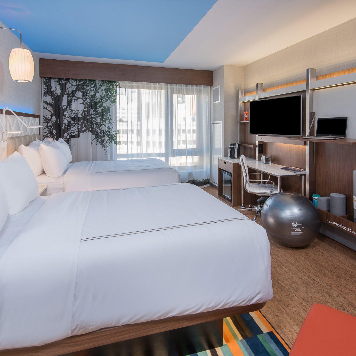 property Suite Bedroom condominium cottage Villa living room