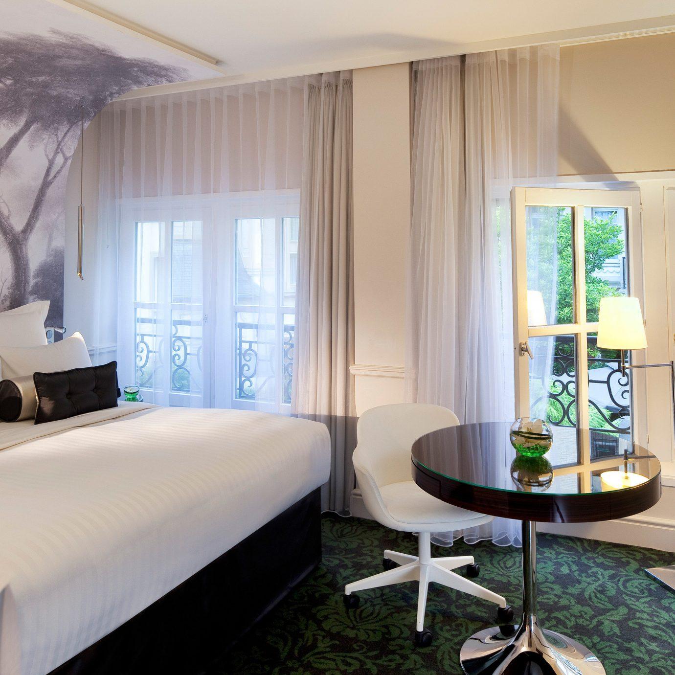 Bedroom Suite property house condominium home living room Villa cottage