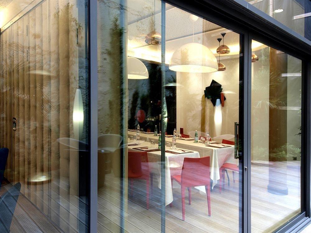 building Boutique retail Lobby door lighting display window