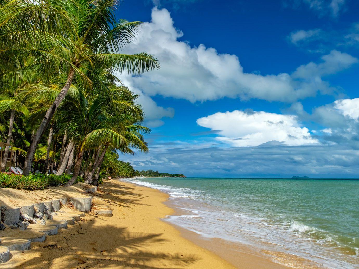 beautiful sandy beach at Maenam Beach, Koh Samui