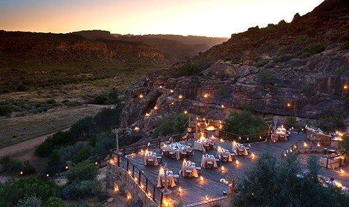 Hotels outdoor sky mountain Nature Town geological phenomenon evening valley dusk