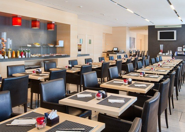 classroom conference hall cafeteria restaurant function hall