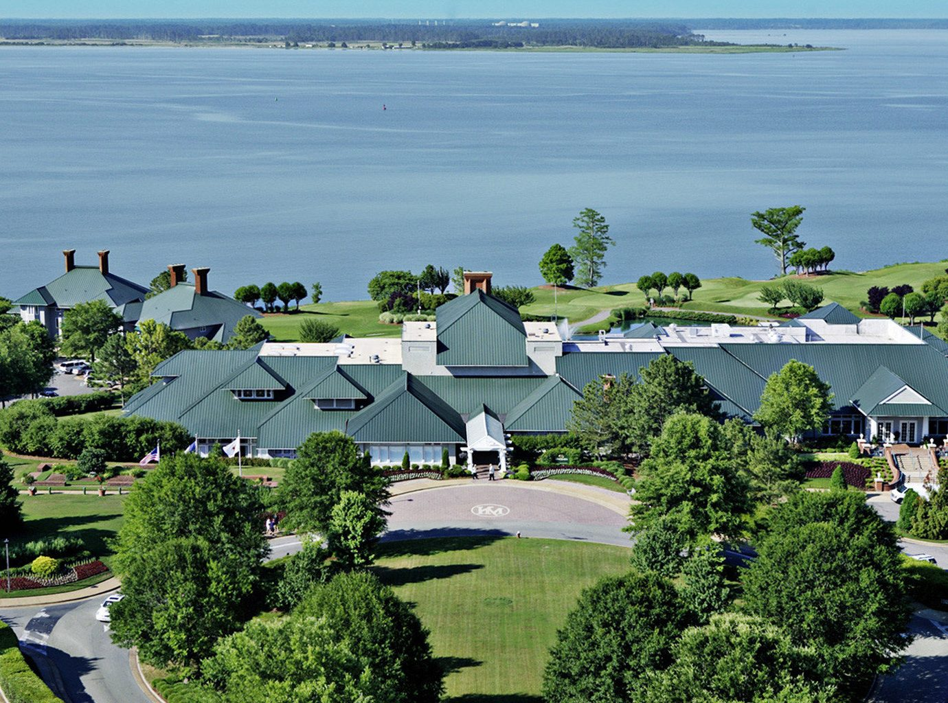 Classic Country Exterior Resort Waterfront tree aerial photography residential area house suburb Garden lush