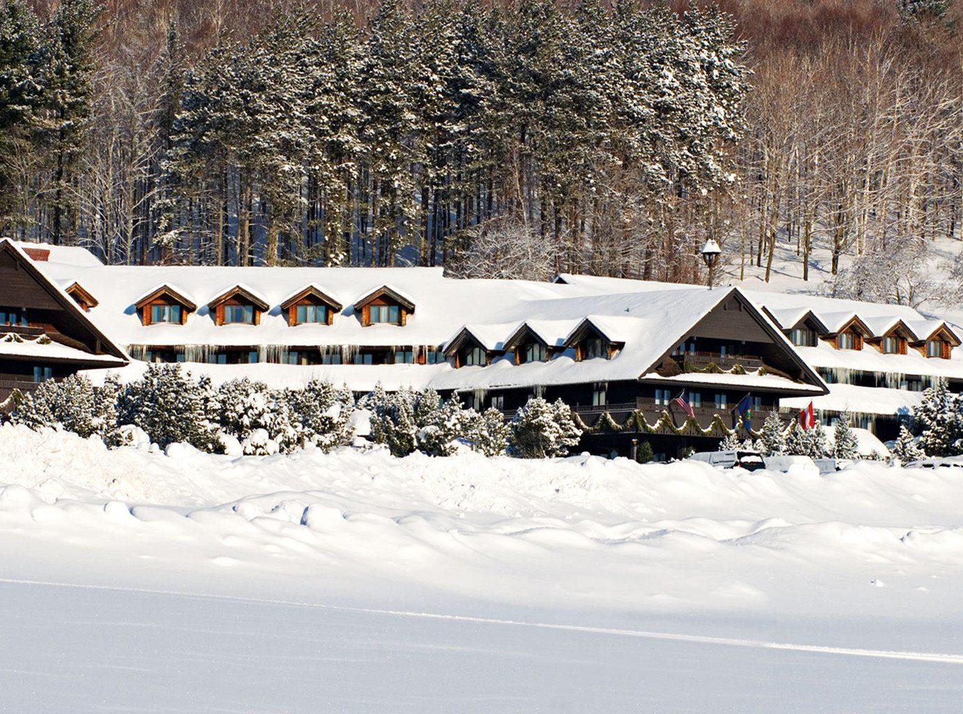Country Family Lodge Mountains Outdoors Ski snow Winter weather season geological phenomenon vehicle winter sport