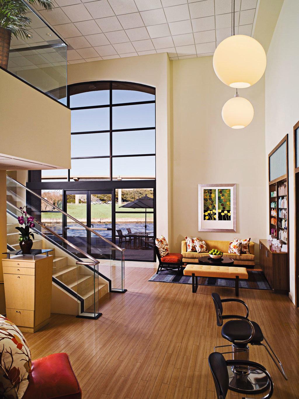 Deck Lounge Patio Spa Terrace Wellness property living room home hardwood condominium Lobby loft office