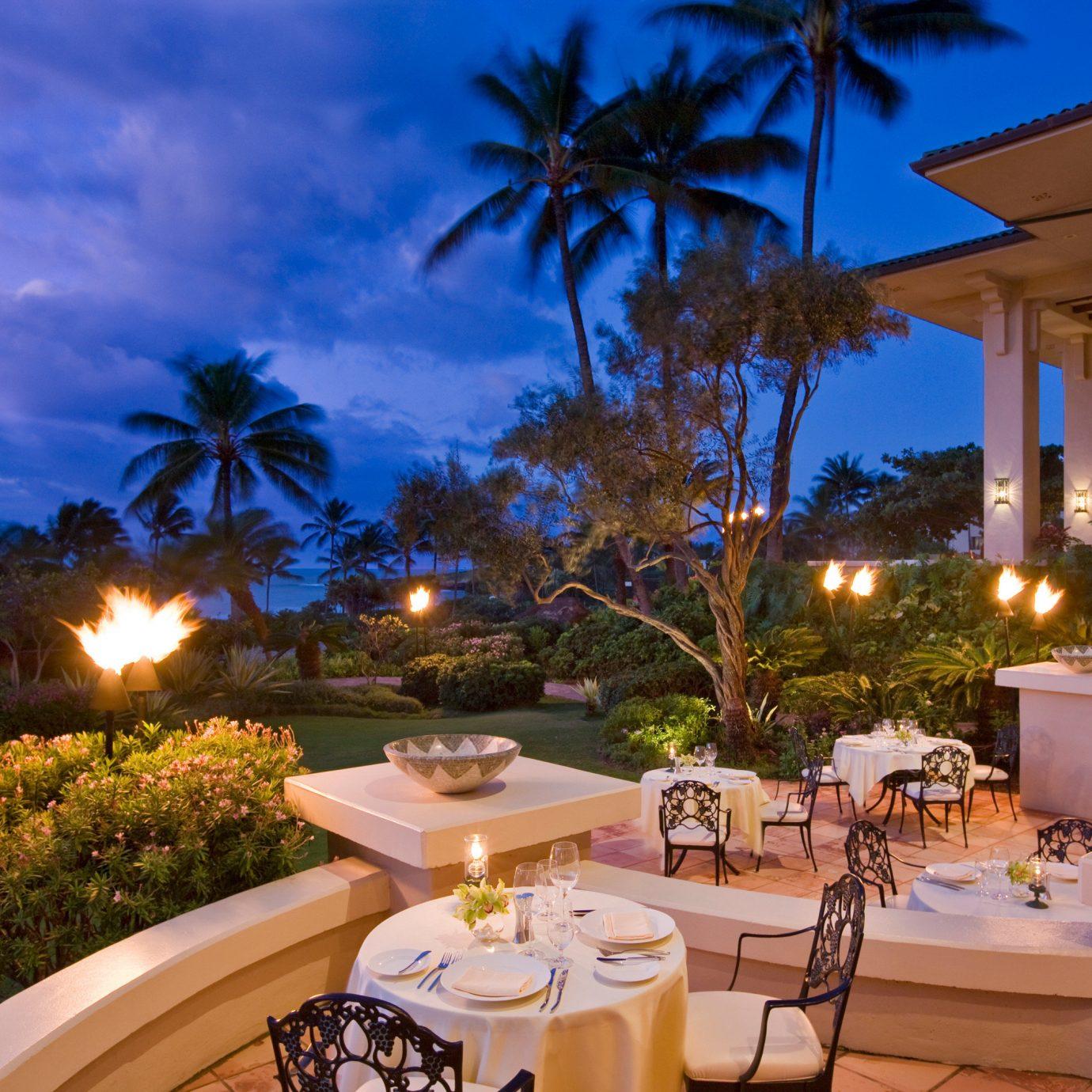 Dining Drink Eat Nightlife Resort Scenic views tree property Villa home caribbean mansion