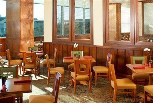chair restaurant Dining Resort Lobby Suite dining table