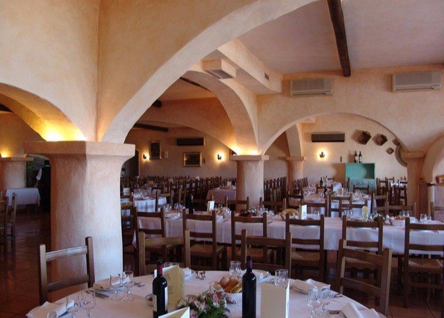 property restaurant Dining function hall Resort hacienda Villa set