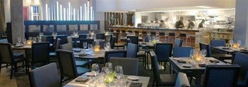 restaurant set dining table