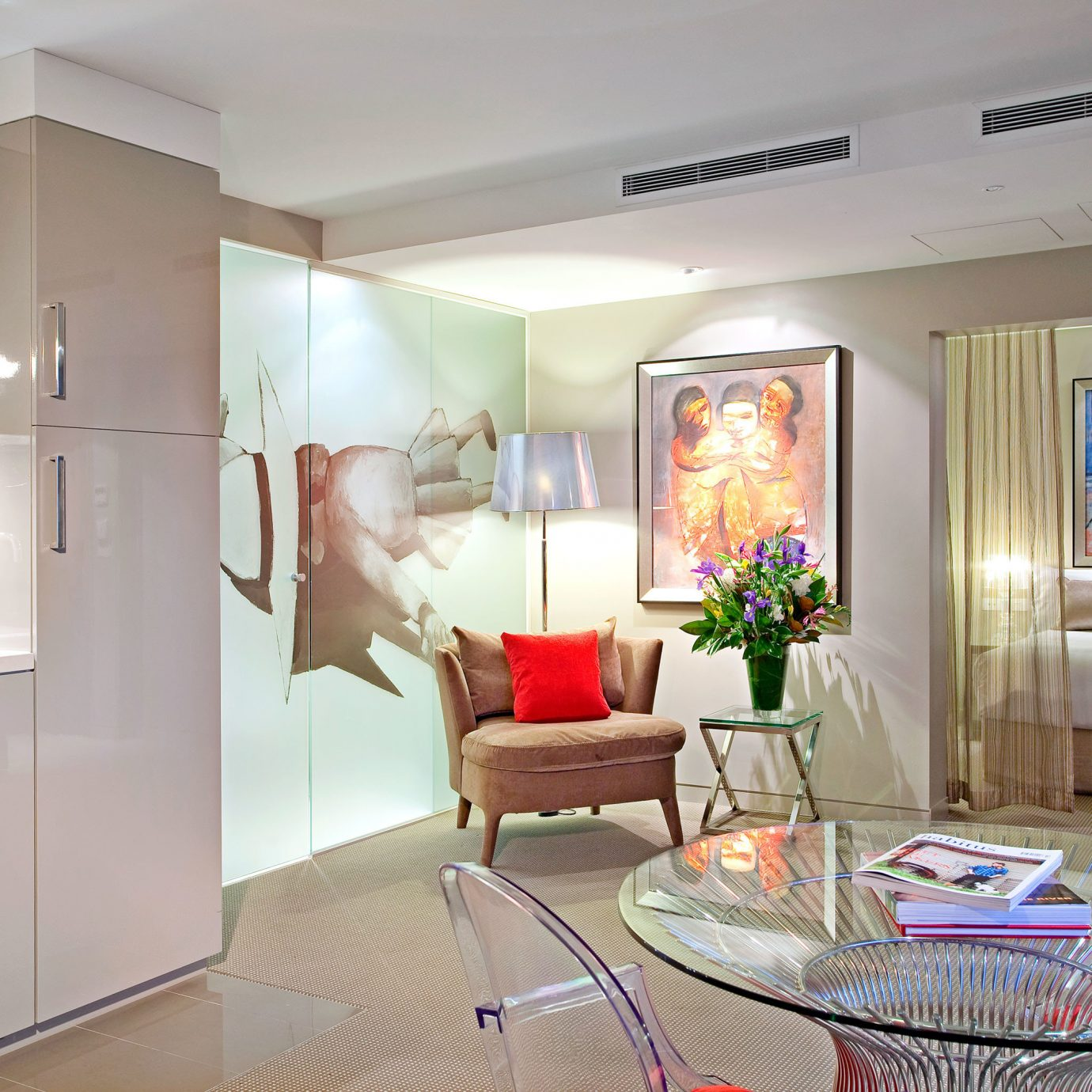 Drink Eat Hip Kitchen Modern property home house living room condominium cottage Suite kitchen appliance
