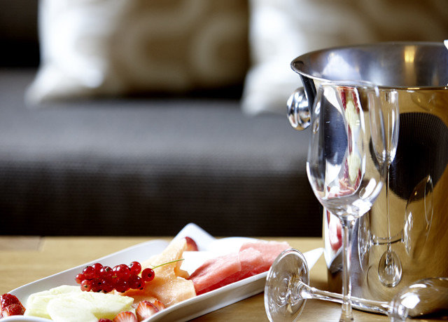 food plate Drink sense wine restaurant