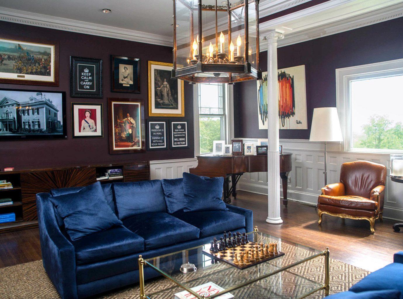 Elegant Inn Lounge Romantic living room property home condominium cottage recreation room Villa