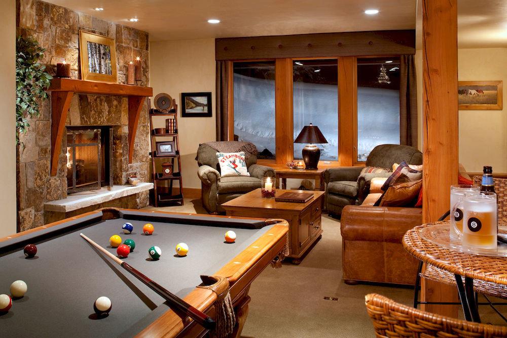 Entertainment Lounge Play Resort pool table poolroom pool ball recreation room billiard room property living room home Suite cottage basement Villa