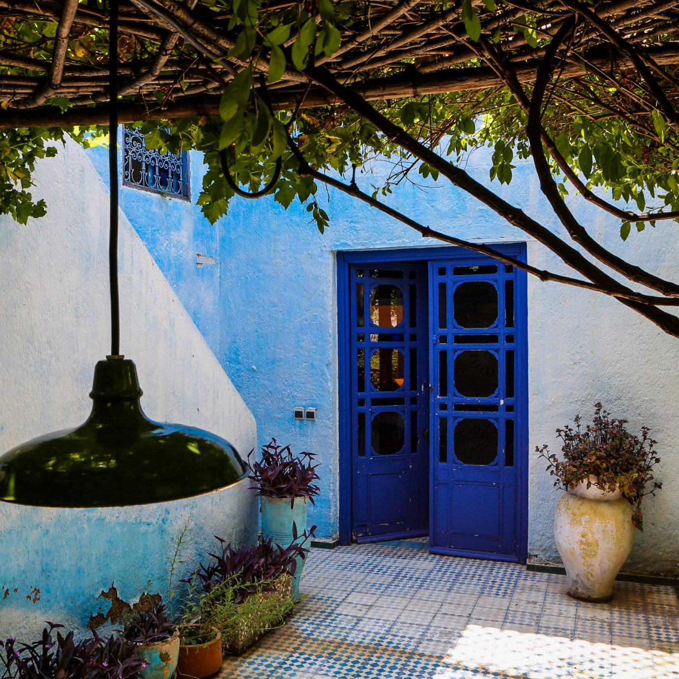 tree blue house home backyard mansion Garden cottage